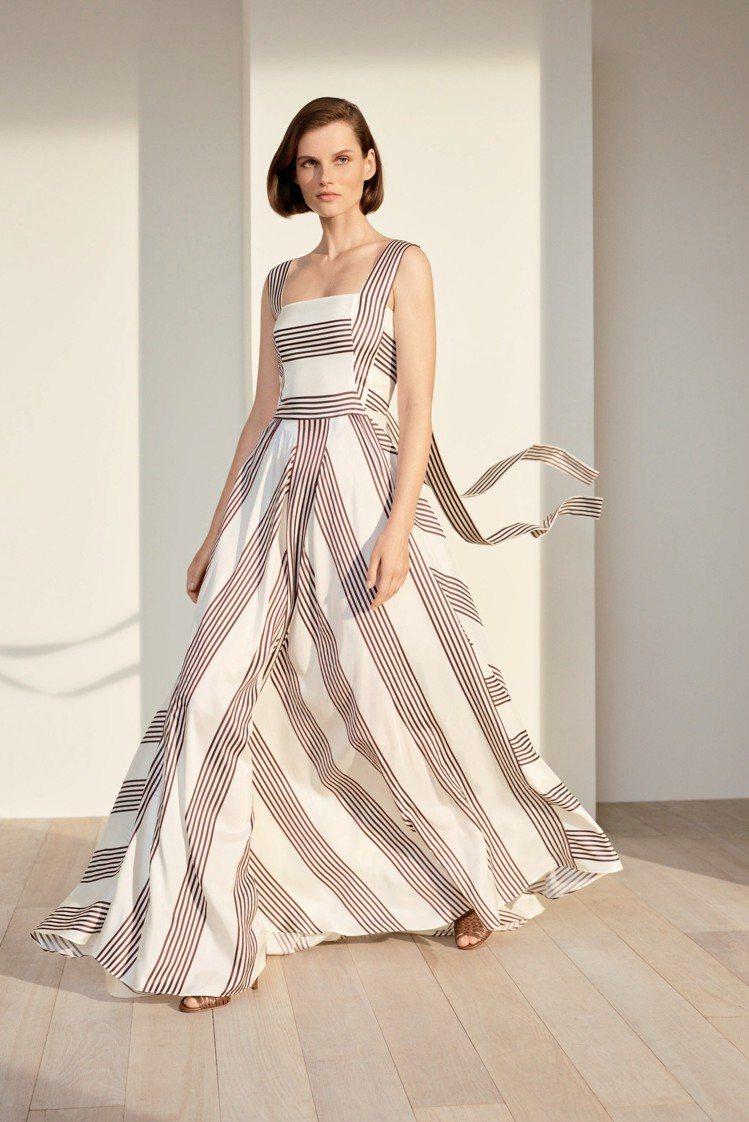 寬肩帶絲綢連身裙以飄帶為特色,點題春夏的條紋設計,配襯小羊皮涼鞋。圖/Loro ...