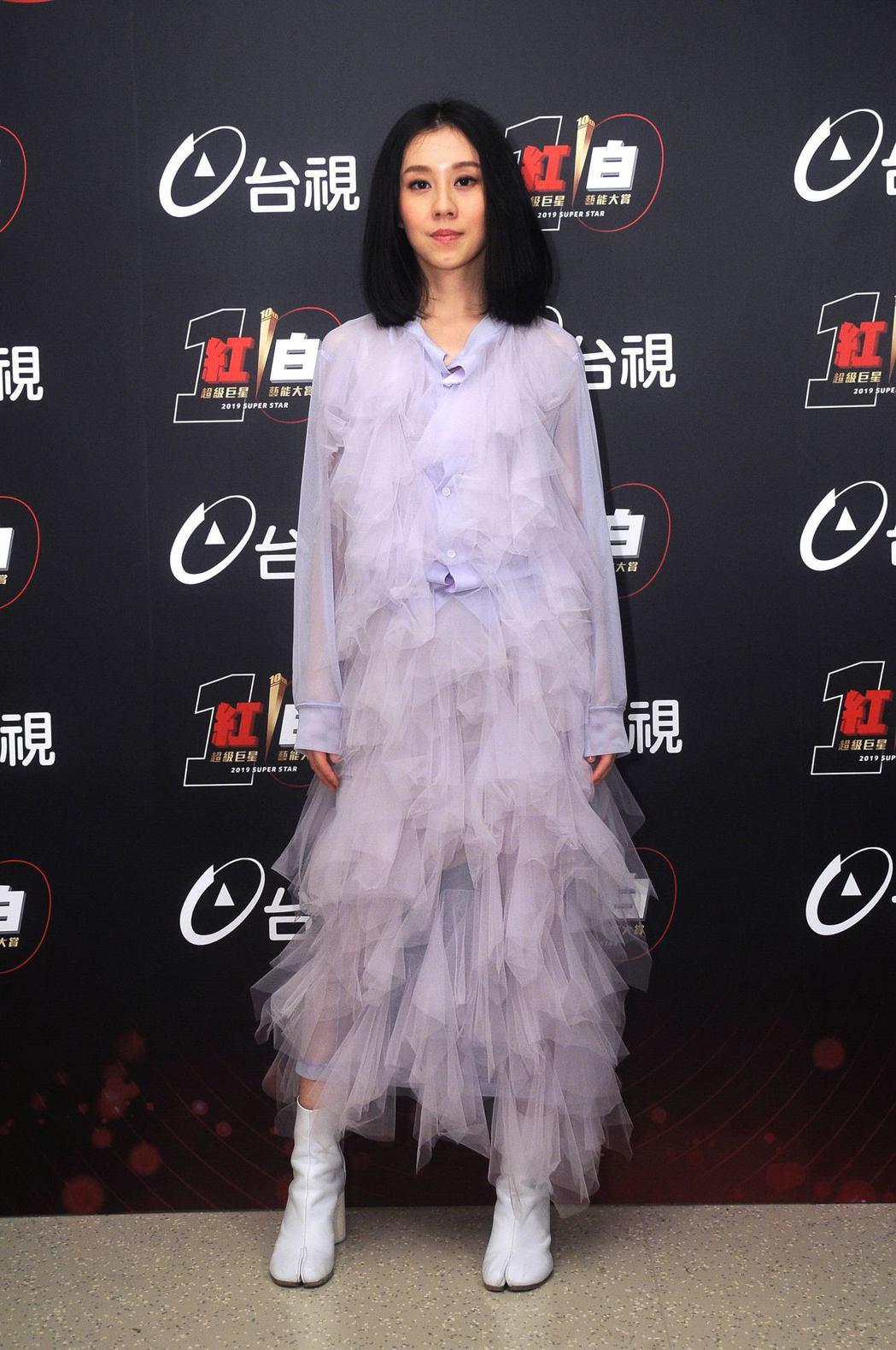 台視除夕特別節目「2019超級巨星紅白藝能大賞」表演嘉賓白安。圖/台視提供