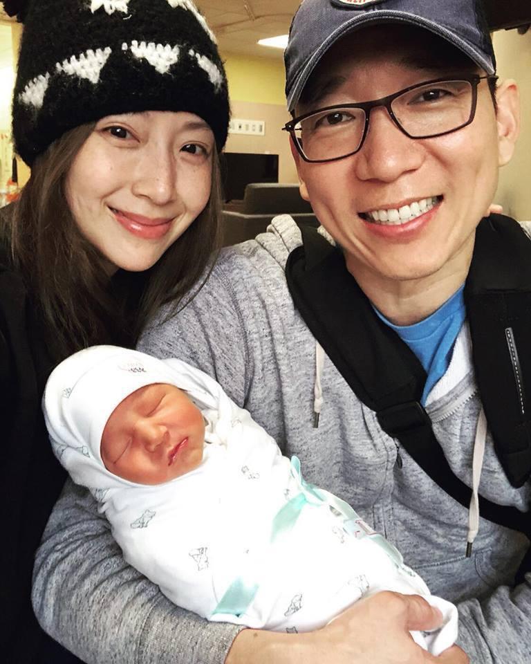隋棠與老公喜迎第三胎。圖/摘自臉書