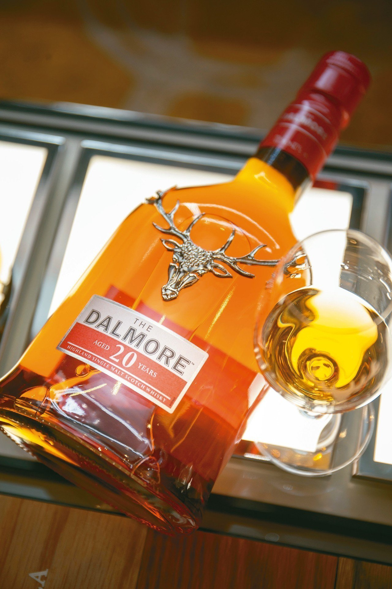 亞洲限定款─大摩20年單一麥芽蘇格蘭威士忌。 ※ 提醒您:禁止酒駕 飲酒過...