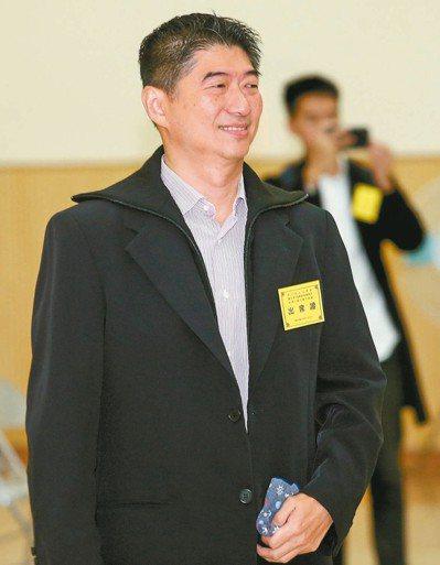 北市立委補選昨抽籤,陳炳甫抽中4號。 記者王騰毅/攝影