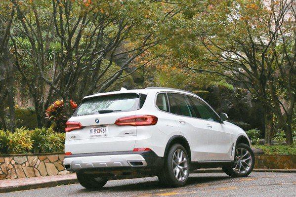 全新世代BMW X5是內外皆美的豪華休旅勁駒。 圖/陳志光