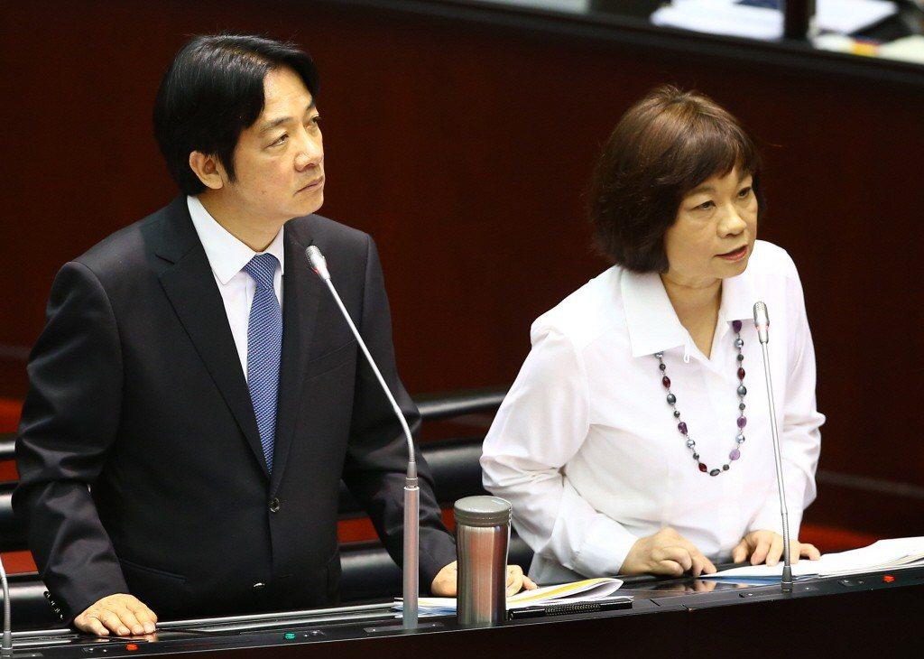 國發會主委陳美伶(右)今天隨賴內閣總辭,不少新創圈人士盼她留任。 報系資料照