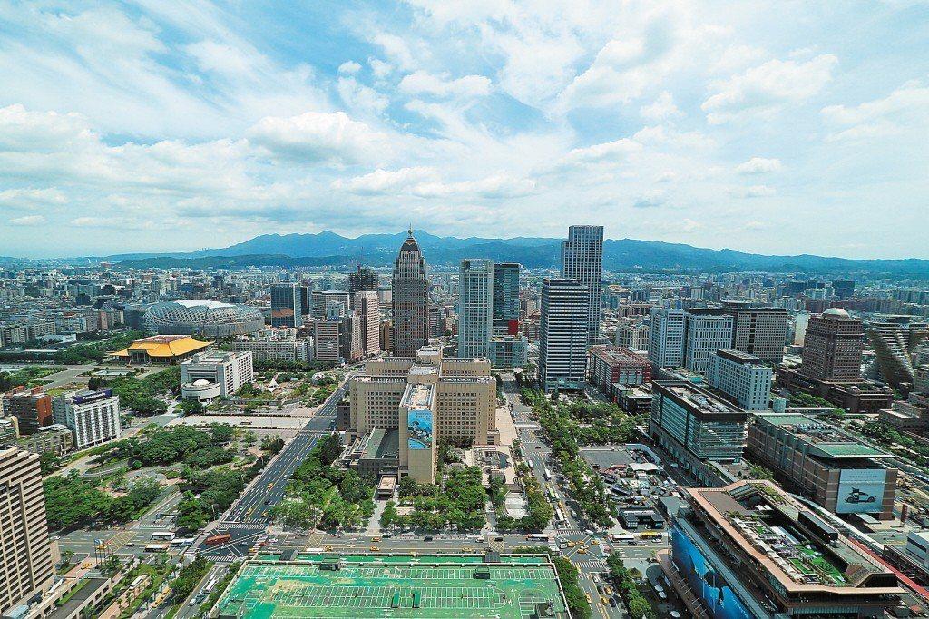 深圳做為中國經濟發展重鎮,人均所得2014年開始連續四年超過台灣,有網友發文問當...