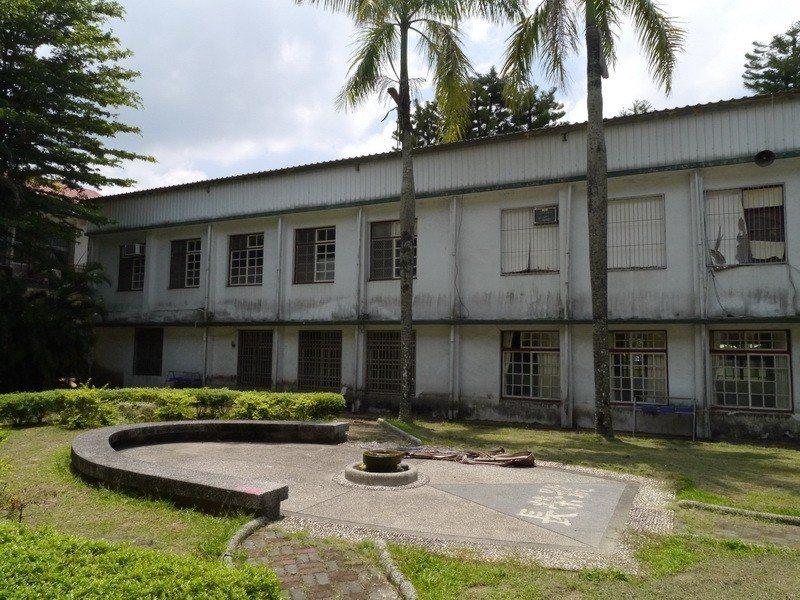 圖為雲林縣古坑國中小學的老舊校舍大樓。 圖/雲林縣古坑國中小學提供