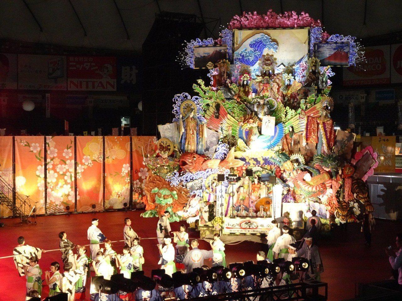 「東京故鄉祭2019」11日在東京巨蛋登場,遊客可享用日本各地美食,也可觀賞慶典...