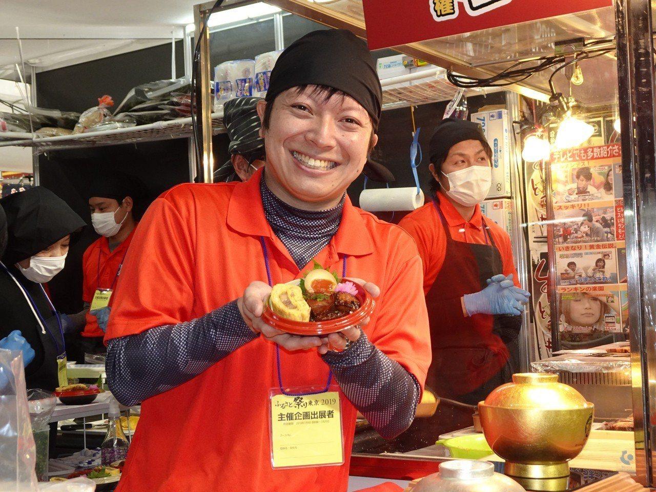 東京故鄉祭(慶典)11日在東京巨蛋登場,最受歡迎的企畫就是全國在地丼飯(蓋飯)大...