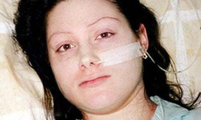 Kay Gilderdale患上了肌痛性腦脊髓炎的女兒Lynn。圖/翻攝衛報