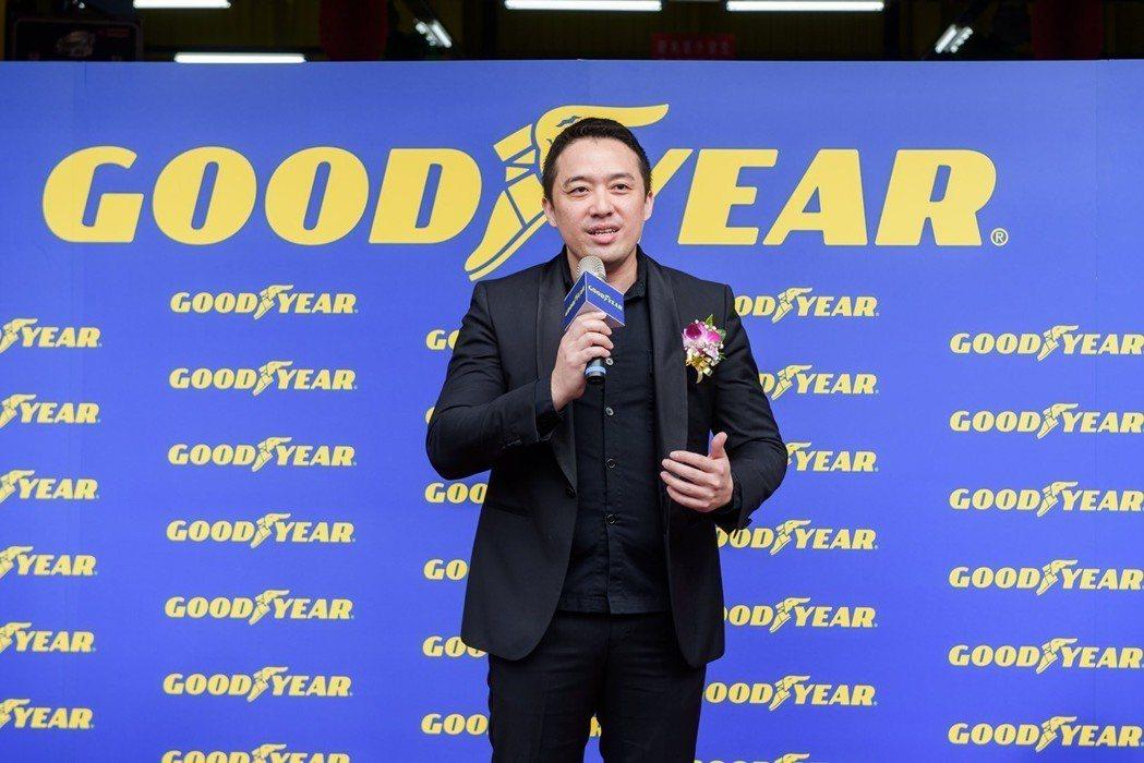 王孝璿表示,台灣大車隊將旗下金讚汽車保修與固特異策略結盟,在汐止與三重兩地,共同...