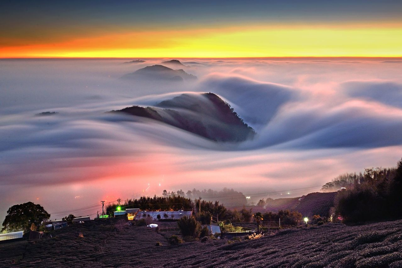 頂石棹琉璃光、雲瀑,好像落入凡間的仙境。