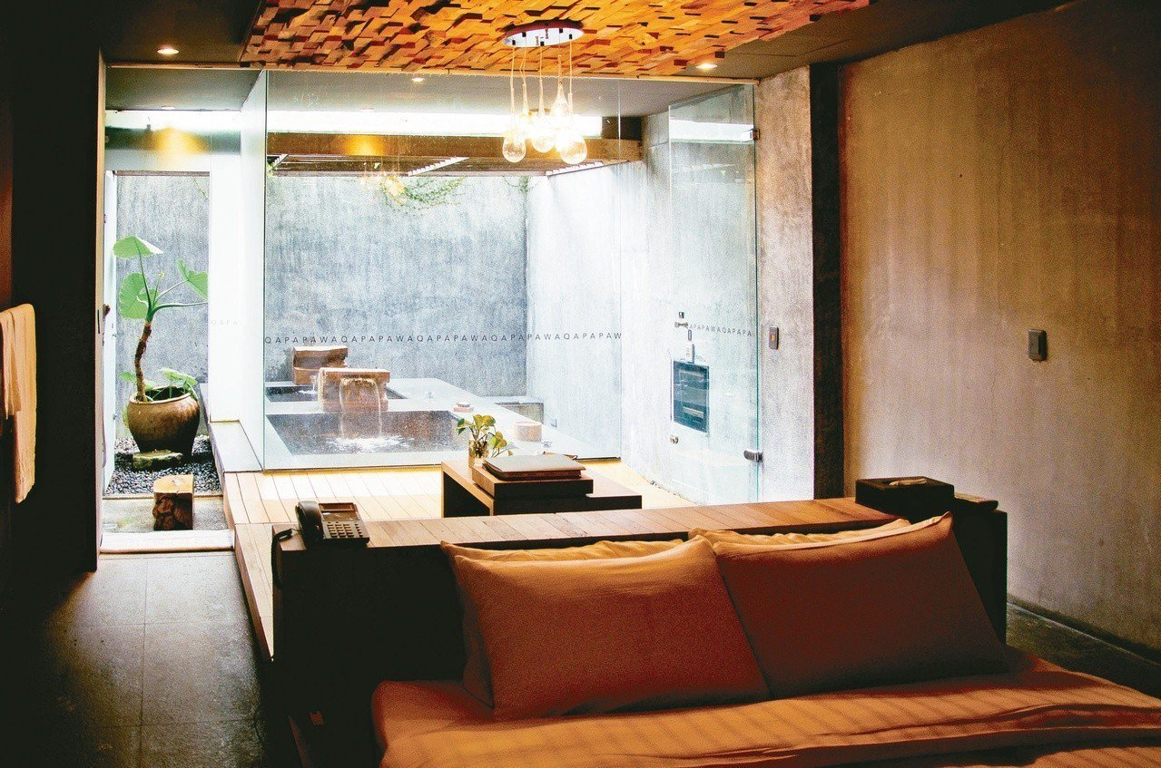 苗栗縣泰安溫泉是著名的「美人湯」。