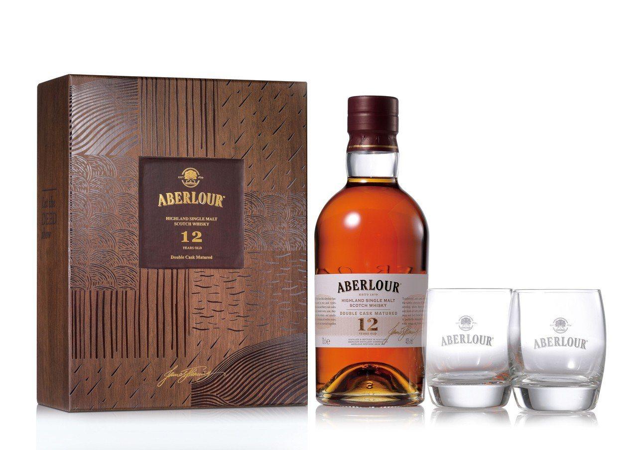 亞伯樂12年單一麥芽蘇格蘭威士忌禮盒。圖/保樂力加提供 ※ 提醒您:禁止酒...