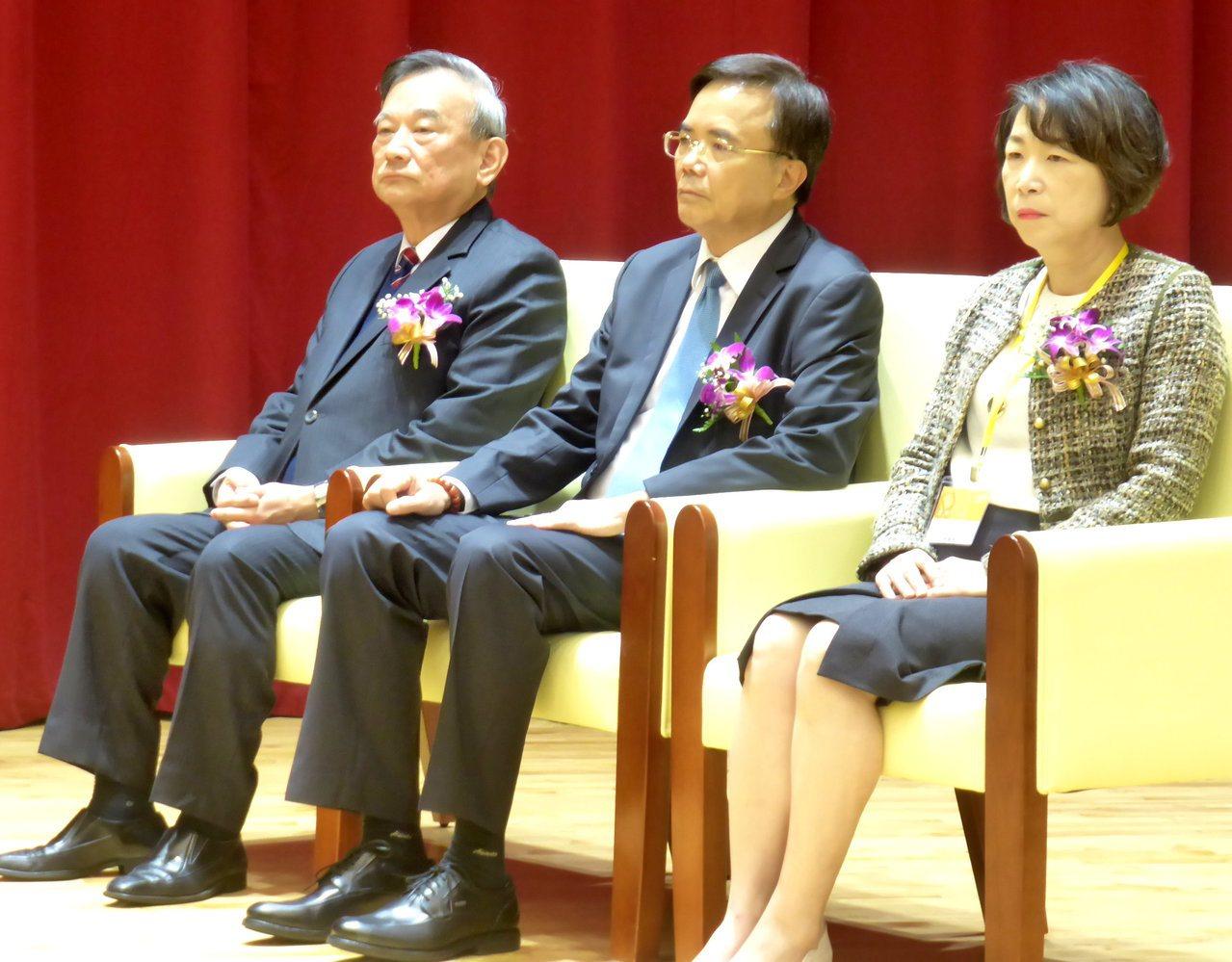 第74屆司法節學術研討會今在法官學院當場,審、檢、辯約250人參與。記者王宏舜/...