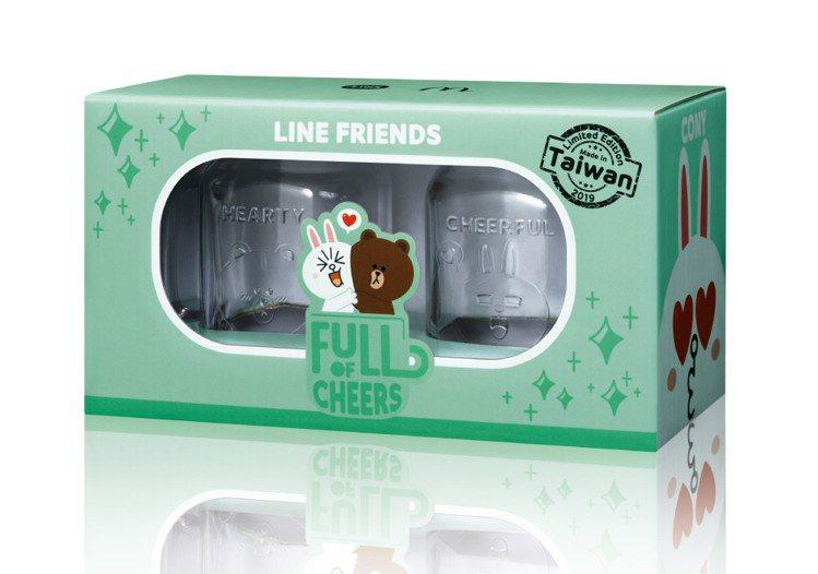 LINE FRIENDS光雕梅森對杯,單買售價499元/組。圖/麥當勞提供
