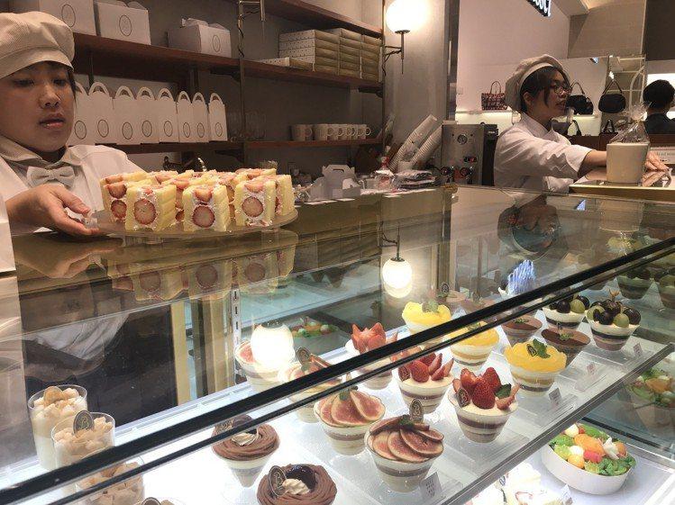la vie bonbon以提供各式新鮮水果蛋糕、水果塔為主。圖/記者江佩君攝影