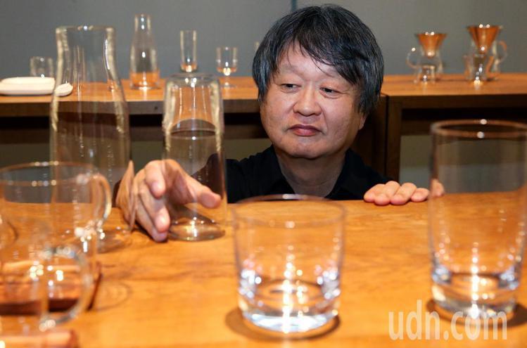 深澤直人與台玻共創餐具家飾品牌TG。記者林俊良/攝影