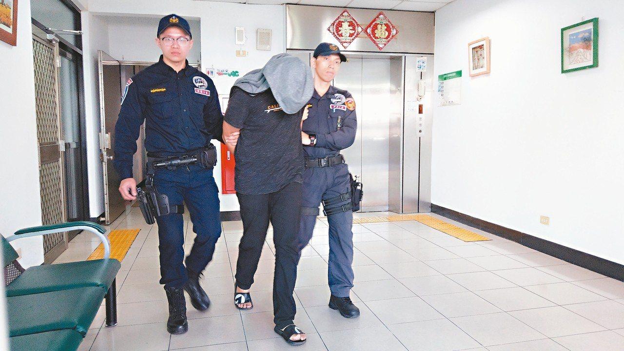 破壞電子腳鐐的假釋犯潘俊皓逃到宜蘭被捕。 記者戴永華/攝影
