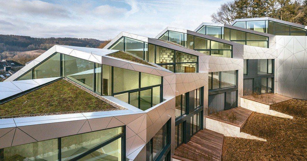 在一系列新科技、營建技術和使建築物更適合居住並提高效率的風潮帶動下,新建築物使用...