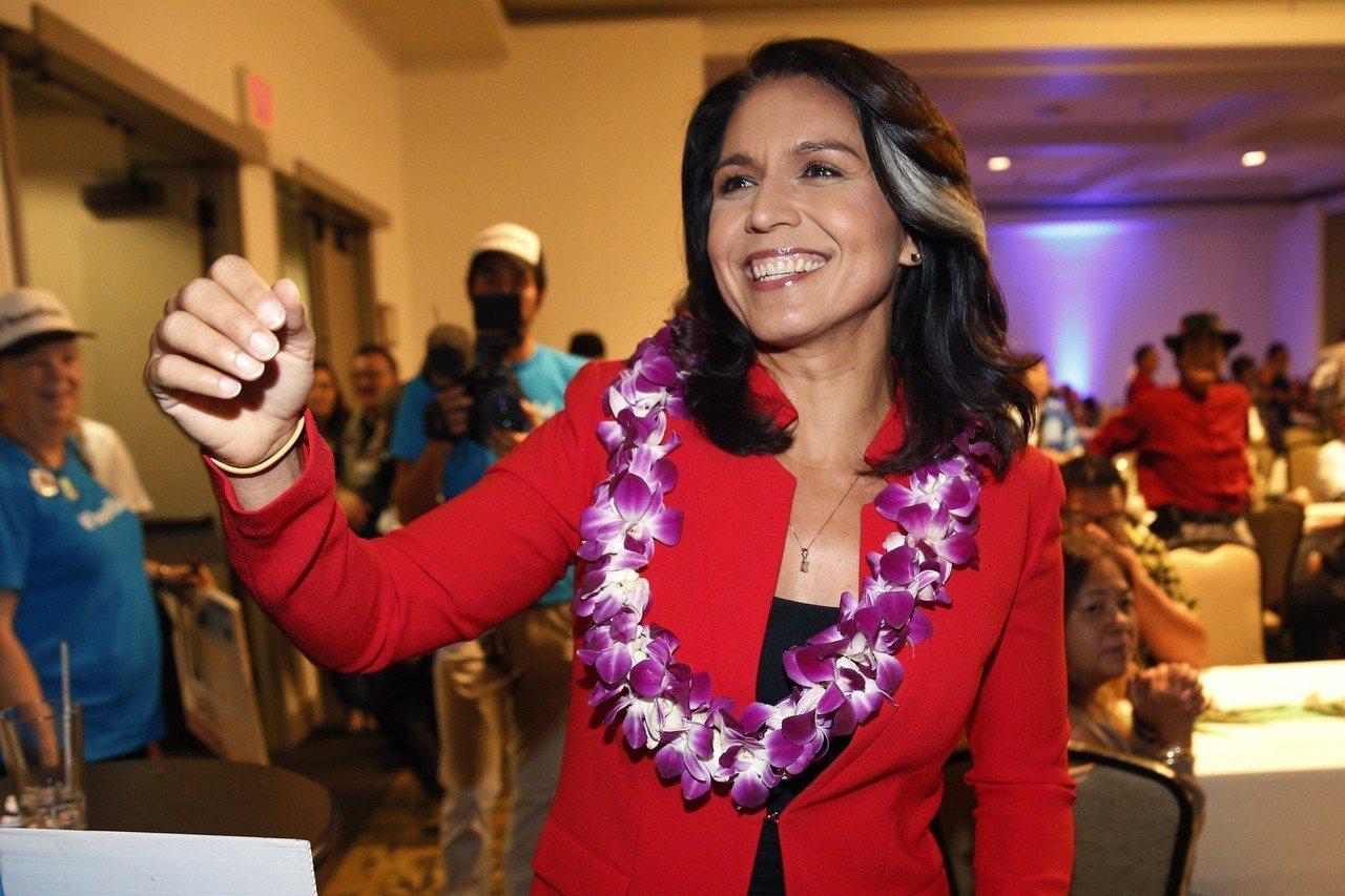 加巴德2016年2月辭去民主黨全國委員會副主席職位,以便為聯邦參議員桑德斯助選。...