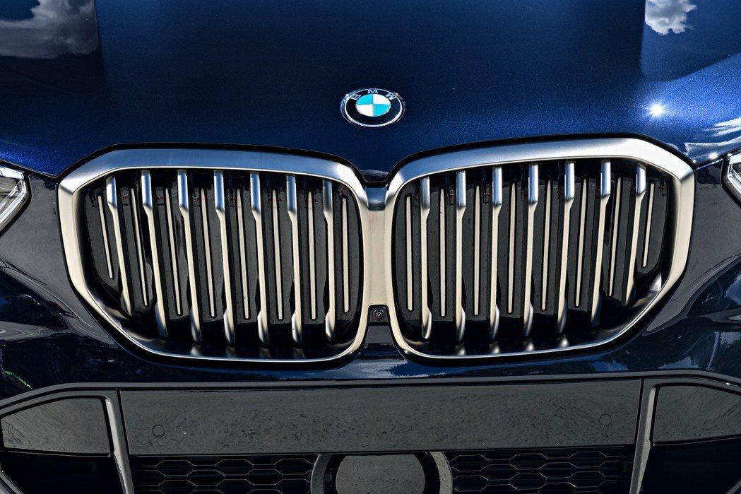 BMW在2018年共繳出2,125,026輛,成長1.8%的表現。 摘自BMW