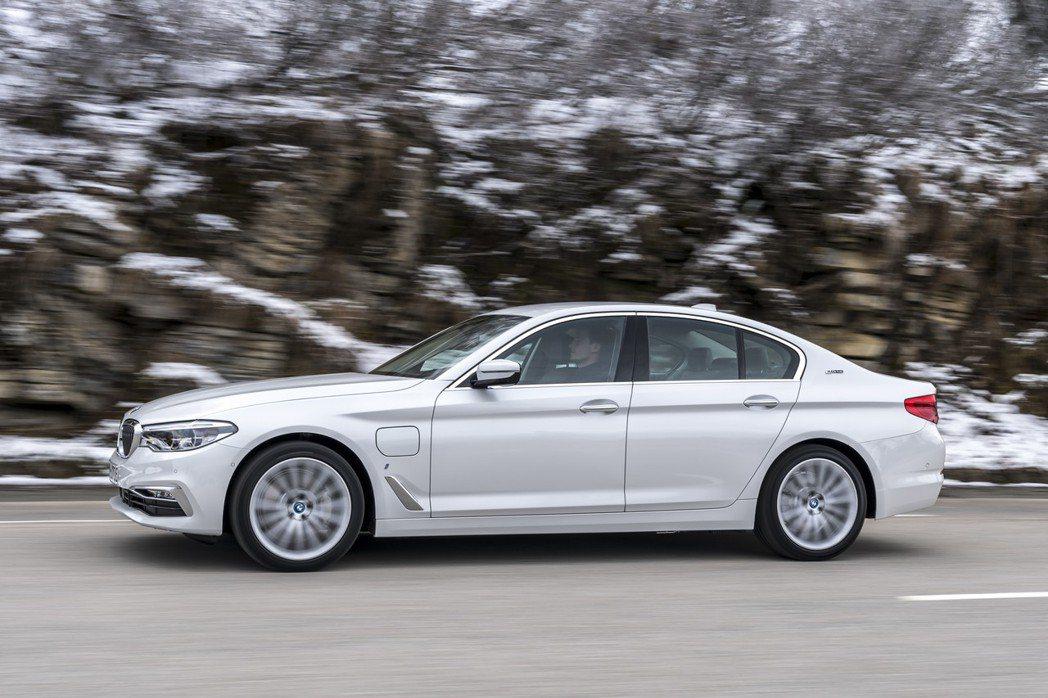BMW 530e的銷量在2018年佔了整個5 Series的12.2%。 摘自BMW