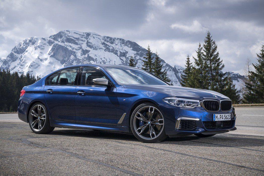 進入G世代的BMW 5 Series,自上市以來已經連續兩年銷售正成長,更是品牌不可或缺的銷售主力車款。圖為BMW M550i xDrive。 摘自BMW