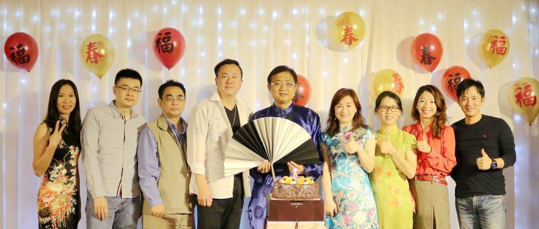 活動同時舉辦1月壽星慶生會。 蔡穎青/攝影