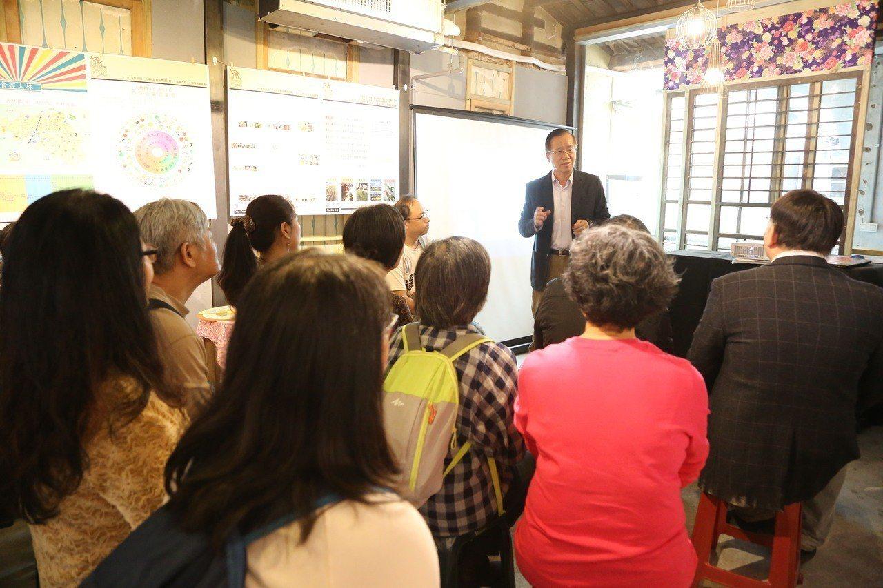 「全能攤販改造計畫」成果展上,副校長林辰璋致詞。圖/南華大學提供