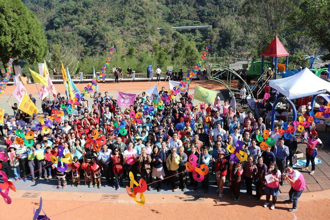 梅山和阿里山鄉山區6所國小社區聯合運動會,是山區難得的熱鬧活動。圖/仁和國小提供