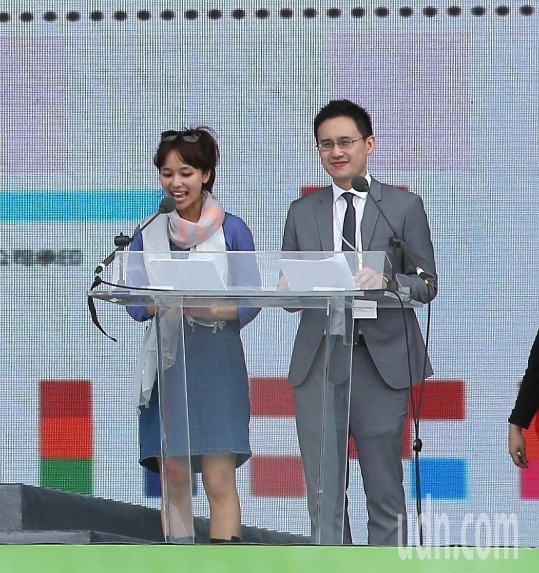 圖為趙怡翔(右)主持總統就職典禮參與彩排。聯合報系資料照/記者高彬原攝影