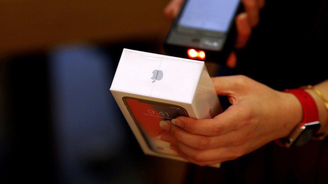 蘋果傳已與聯發科洽談供應新iPhone的5G晶片。   路透