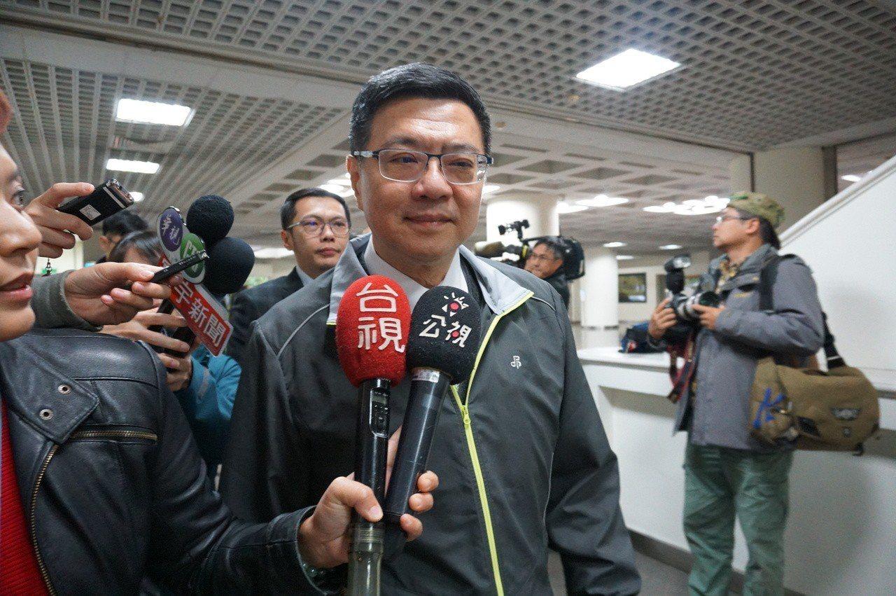 台北市立委補選激烈,新任民進黨主席卓榮泰今發出「動員令」,要求所有台北市議員,無...