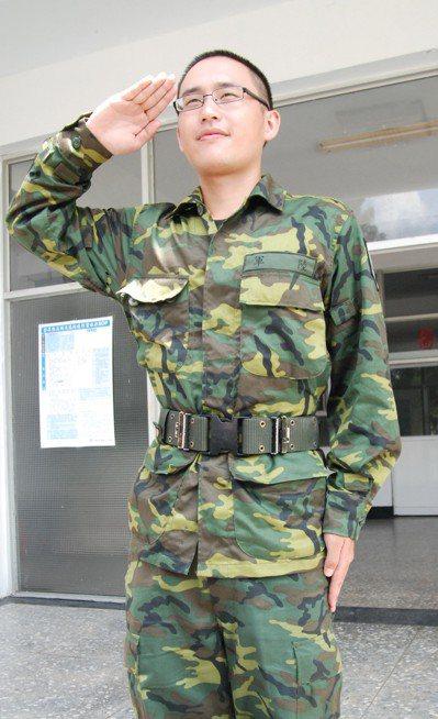 「口譯哥」趙怡翔2011年時,曾回台從軍。 圖/聯合報系資料照片