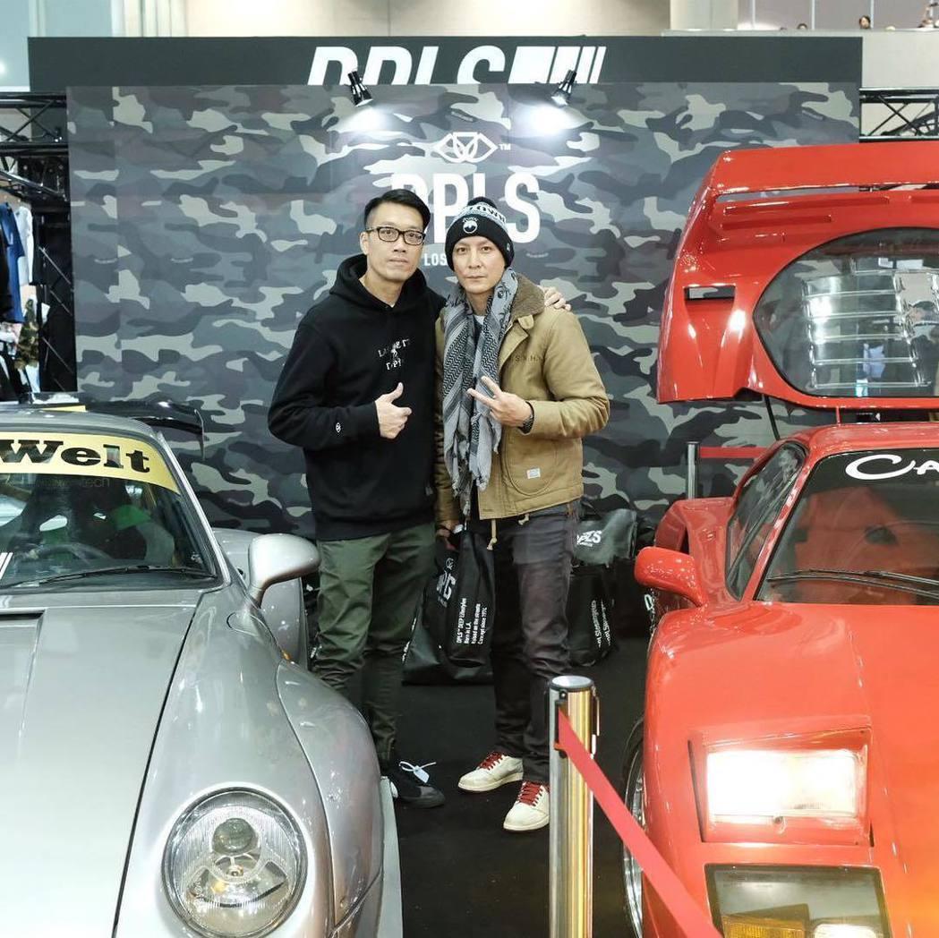 吳彥祖(右)到東京參觀車展。 圖/擷自吳彥祖IG