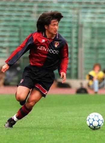 日本老傳奇三浦知良繼續為參賽世界盃之夢奮鬥,將以52歲高齡續戰明年J2聯賽。(p...