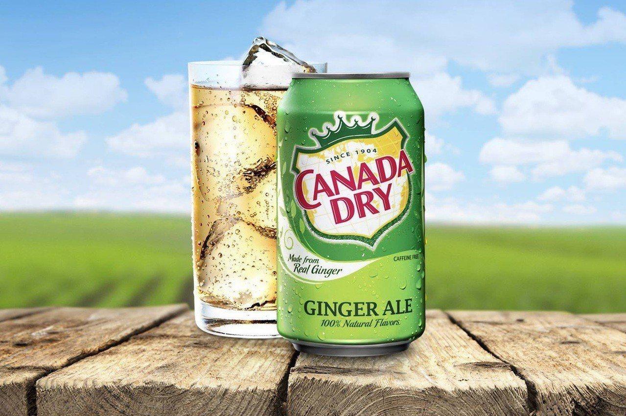 加拿大薑汁汽水(如圖)面對在美國提出的虛假廣告訴訟案,打算和解了事。該公司將停止...