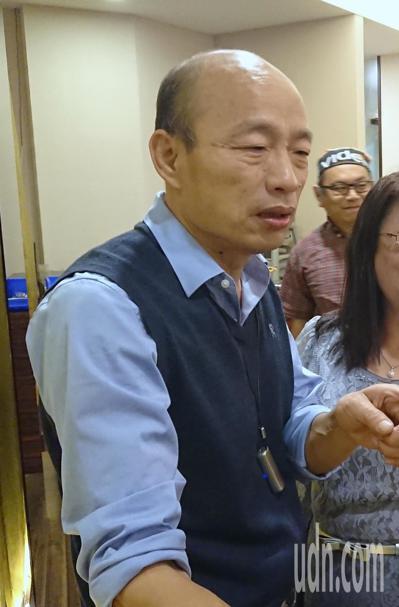韓國瑜昨天參加企業晚宴,持續推銷到高雄觀光。記者卜敏正/攝影