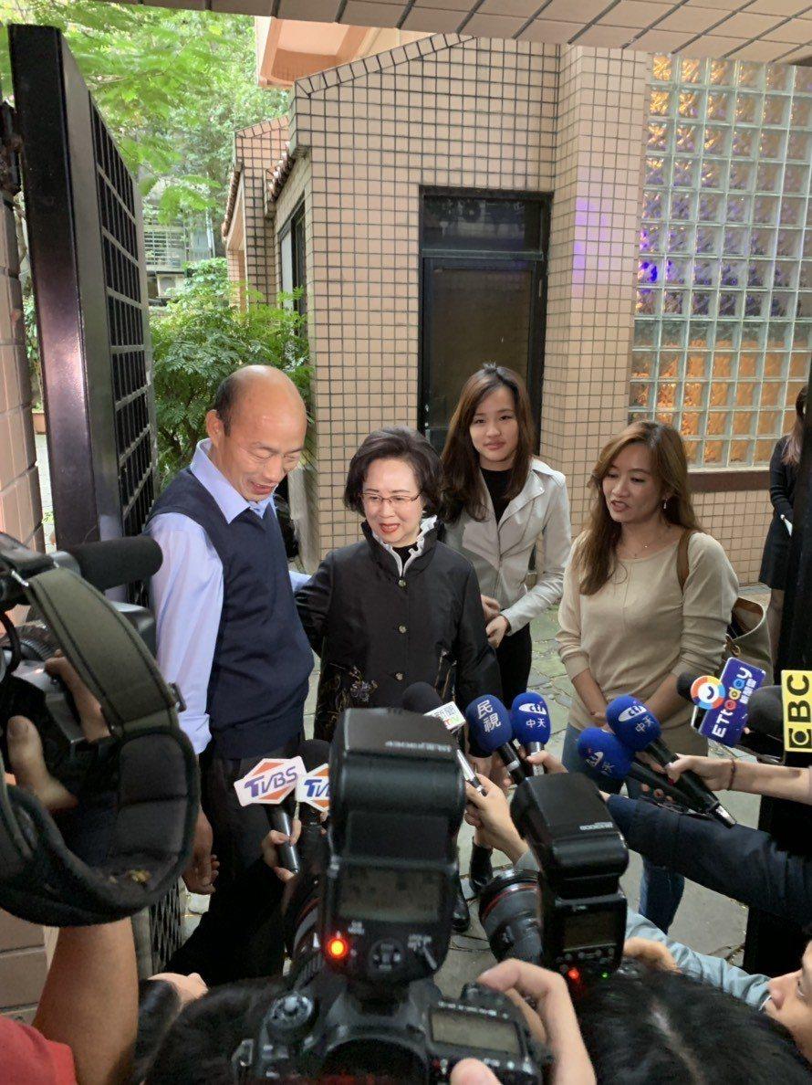 瓊瑤擔任韓國瑜「愛情產業鍊」總顧問,13日下午2人會面。記者楊起鳳/攝影