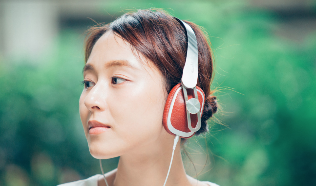 Avanti C耳罩式耳機符合人體工學的設計與輕量材質帶來最佳佩戴感。圖/Mos...