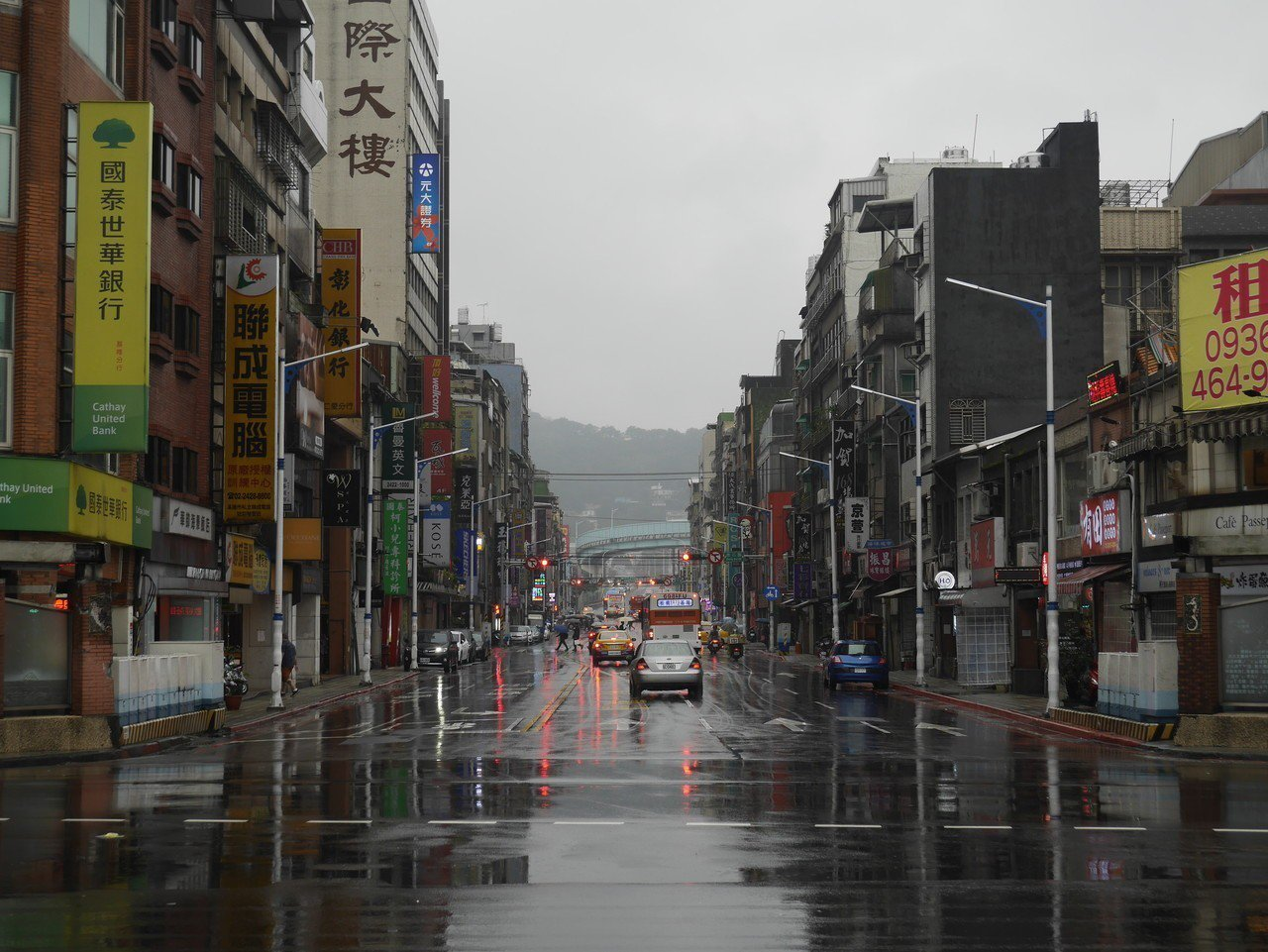 孝二路是基隆市區主要道路。記者吳淑君/攝影