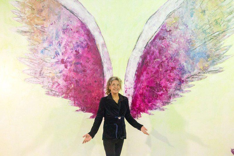 美國藝術家Colette Miller創作「天使之翼」作品,在全球形成一股拍照打卡熱潮。記者蔡翼謙/攝影