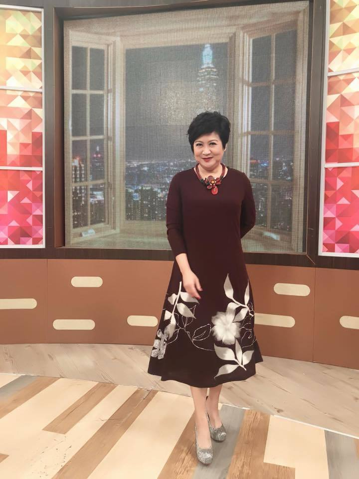 崔佩儀日前上衛視中文台「一袋女王」。圖/摘自臉書