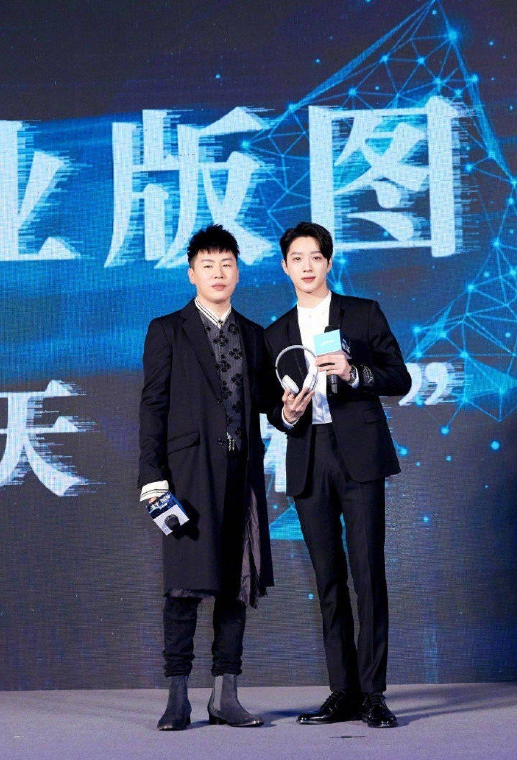 胡彥斌幫賴冠霖助陣。圖/摘自微博