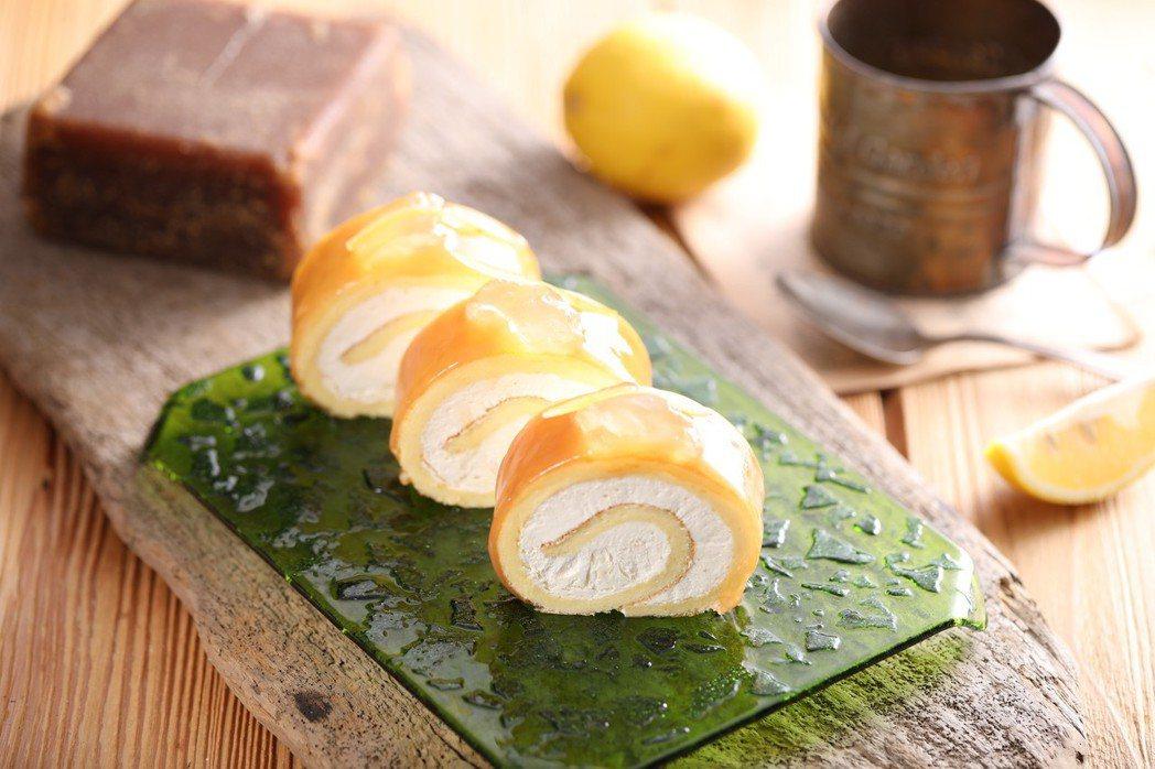 冬瓜茶蛋糕捲,瓜茶深受外國朋友的喜愛,融合台灣的特色在西點中。蓋世卓餐飲/提供