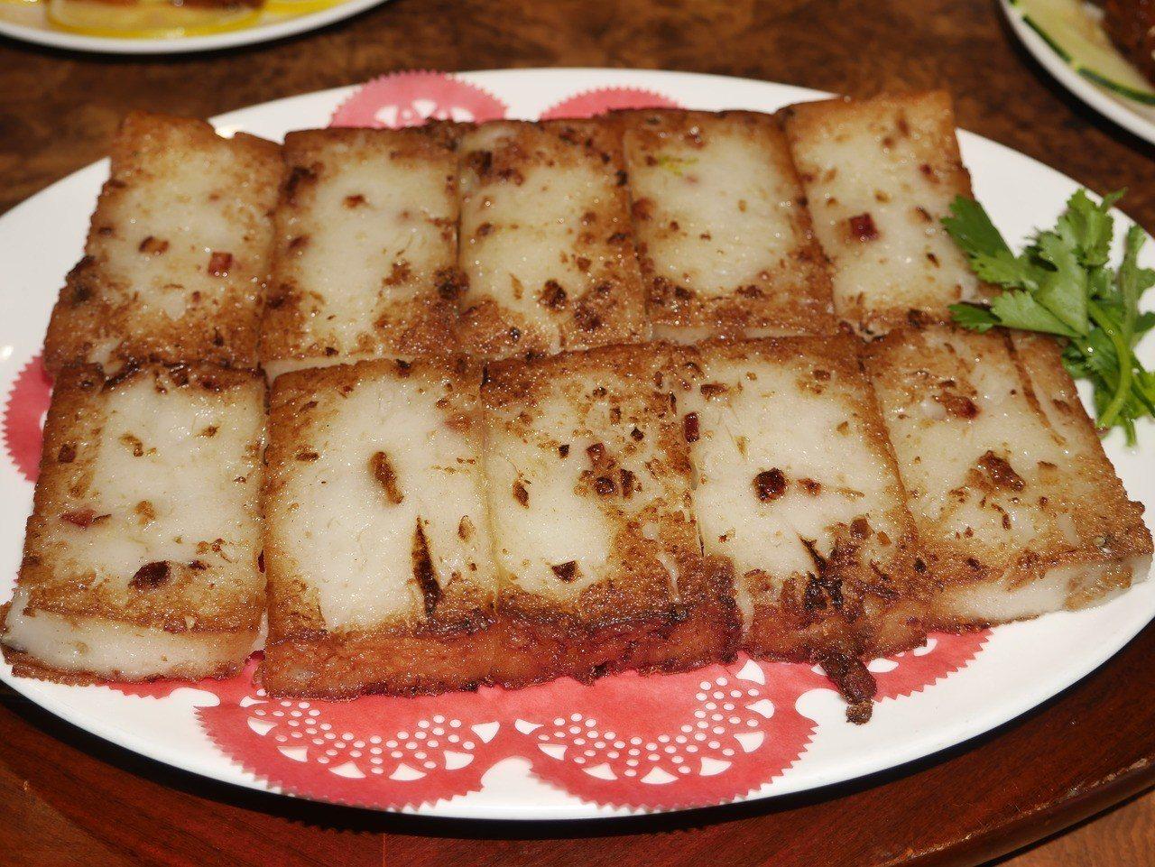 暖暖小館蘿蔔糕是季節限定,許多老饕爭相走告。記者吳淑君/攝影