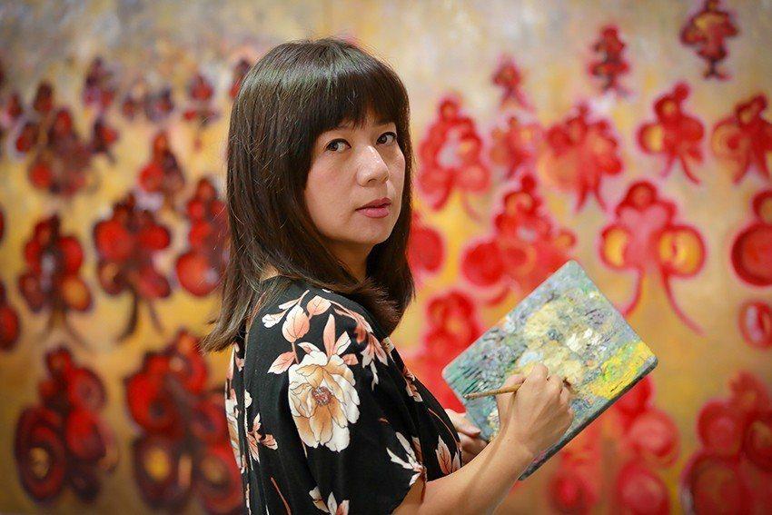 充滿時尚敏銳獨特風格的知名才女畫家熊妤。 傑智畫廊/提供