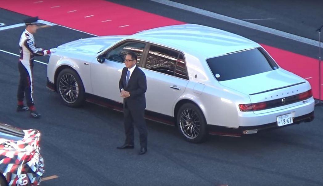 豐田章男搭乘Century GRMN,出席去年11月25日Gazoo Racing Festival。 摘自Youtube:yashichi87able