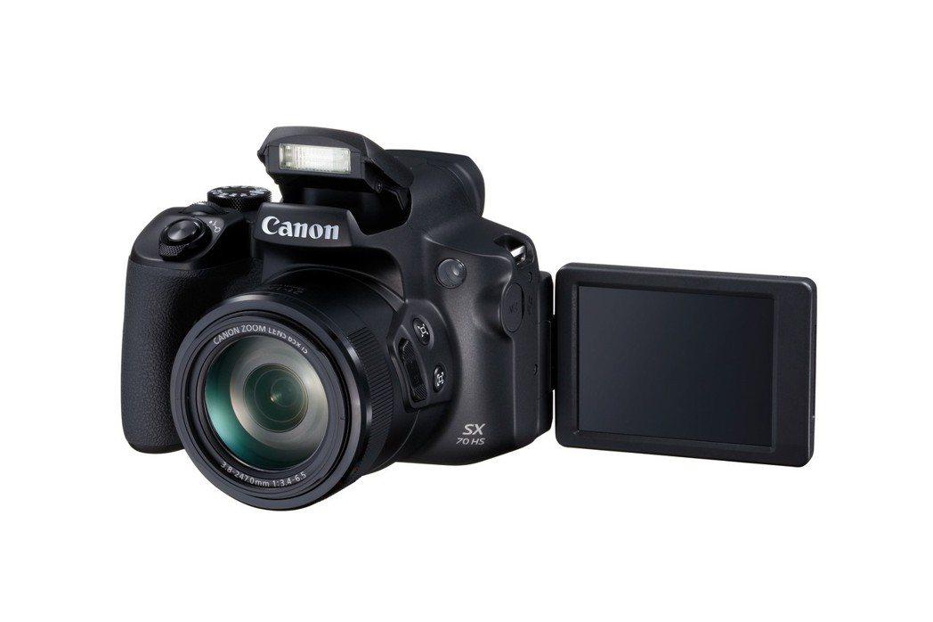 PowerShot SX70 HS提供可翻轉鏡頭、4K錄影規格及外接麥克風,能符...