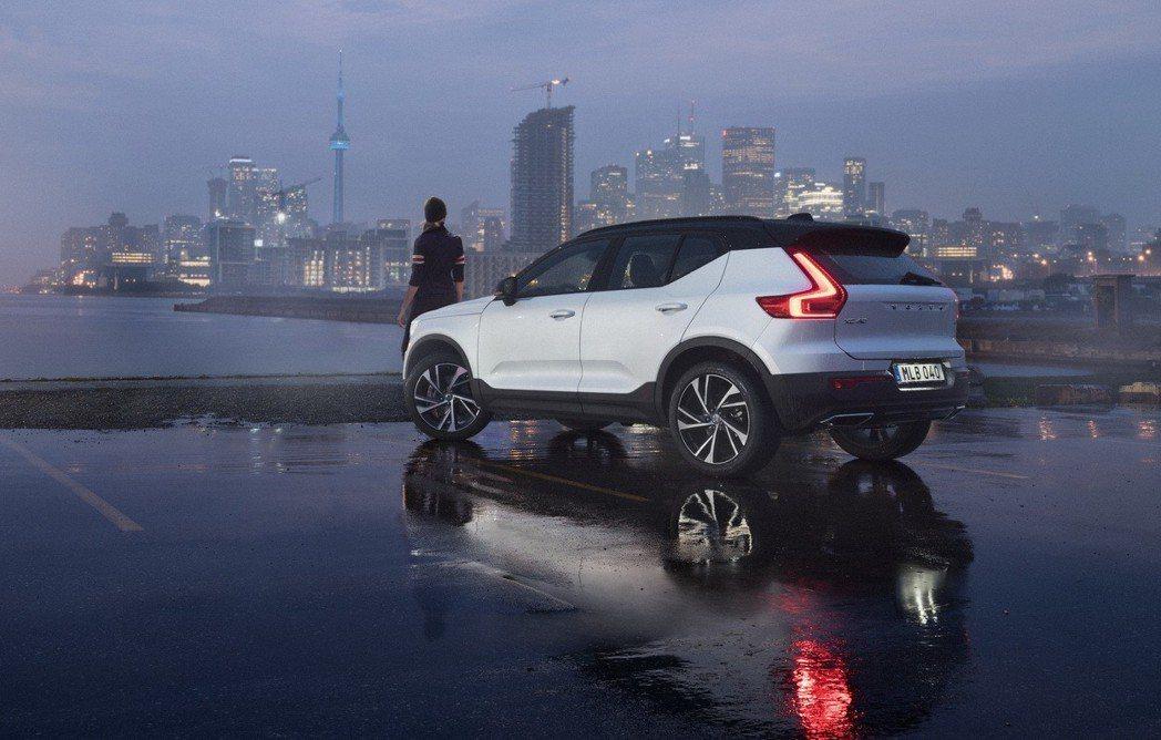 2018 年第三季發表的全新世代 Volvo XC40,以不到六個月的時間即席捲...