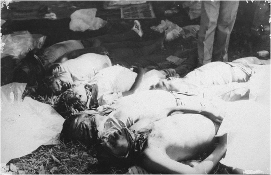 內格羅斯居民與社運者不約而同,想起發生在1985年的「埃斯卡蘭特屠殺」——當時因...
